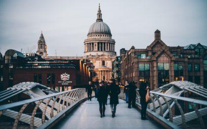 Le Millenium Bridge, le pont de Londres qui mène à la Cathédrale Saint Paul