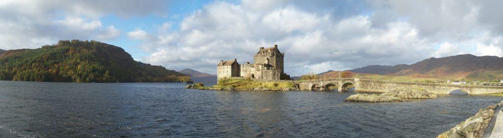 Le château de Eilean Donan sur son île en Ecosse