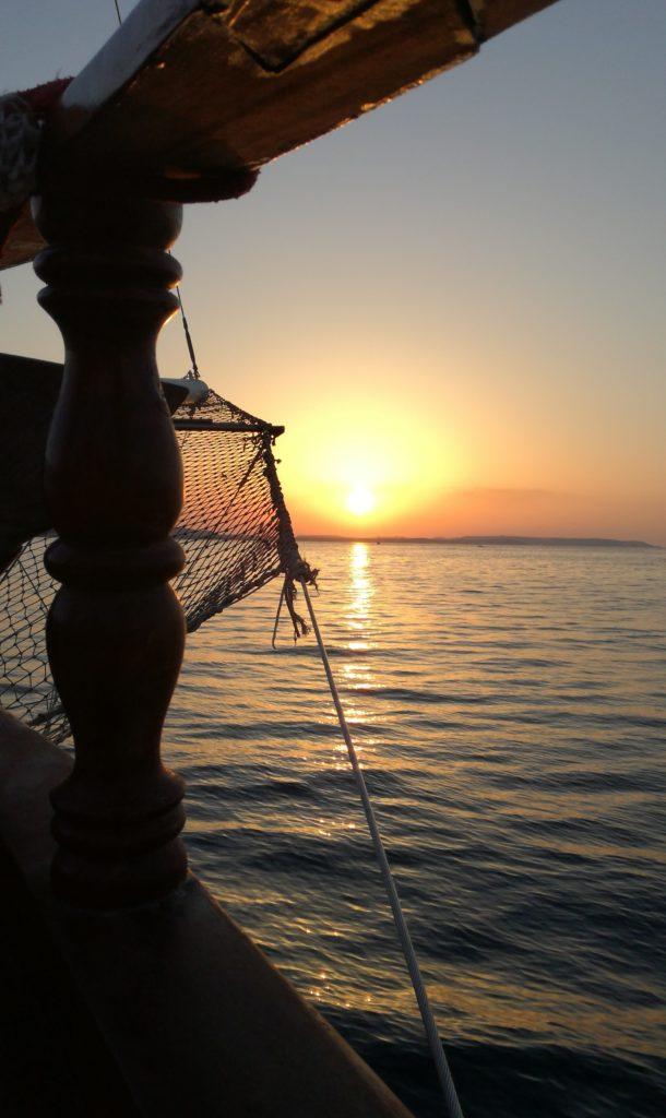 Boat party au coucher de soleil à Malte