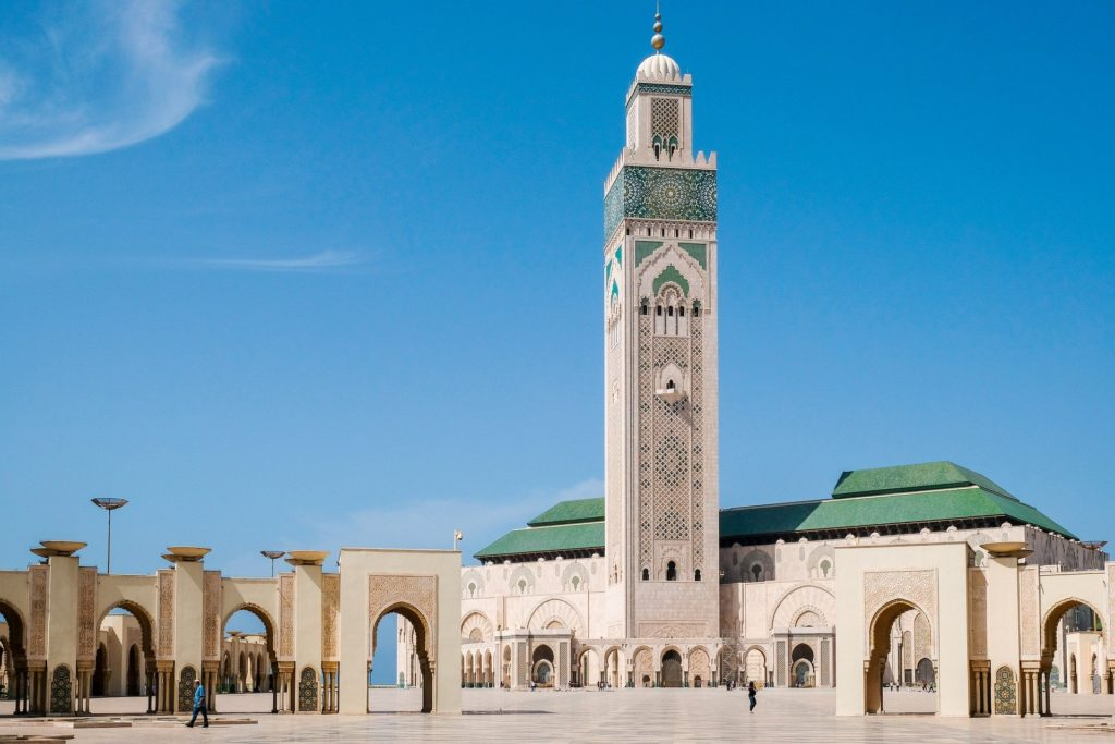 La mosquée Hassan II et son minaret à Casablanca au Maroc