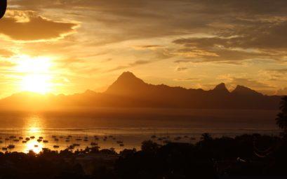 Coucher de soleil à Tahiti en Polynésie Française