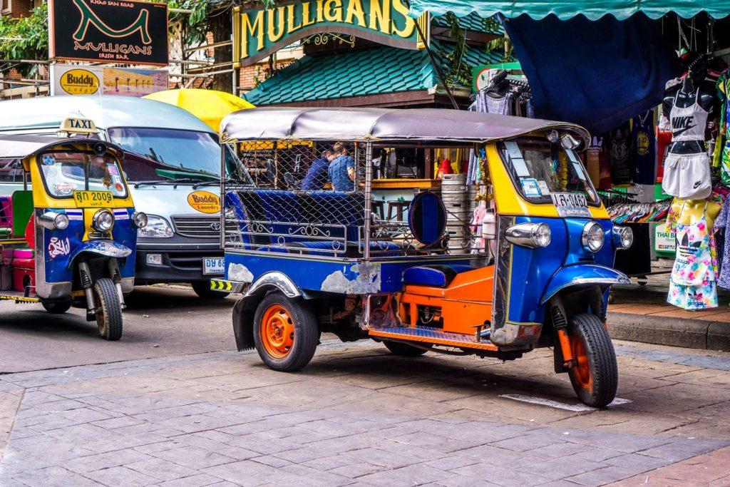 Le Tuktuk : le taxi moto pour se déplacer en Thaïlande